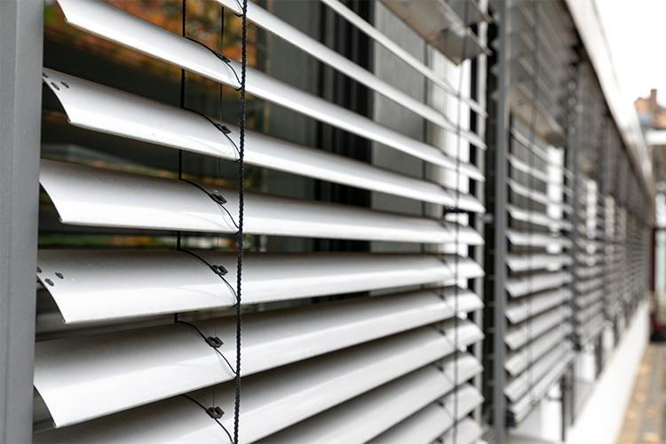 Sicht- & Sonnenschutz durch die Paul Hoffmann GmbH